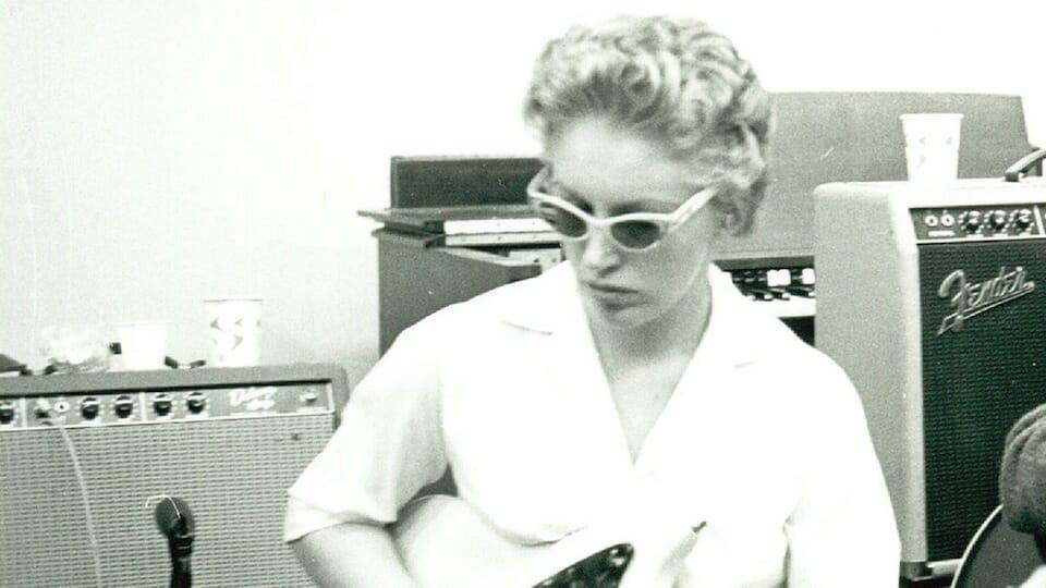 Carol Kaye First Lady Of Bass Guitar Culturesonar